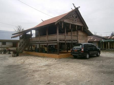 Rumah Adat Singkil
